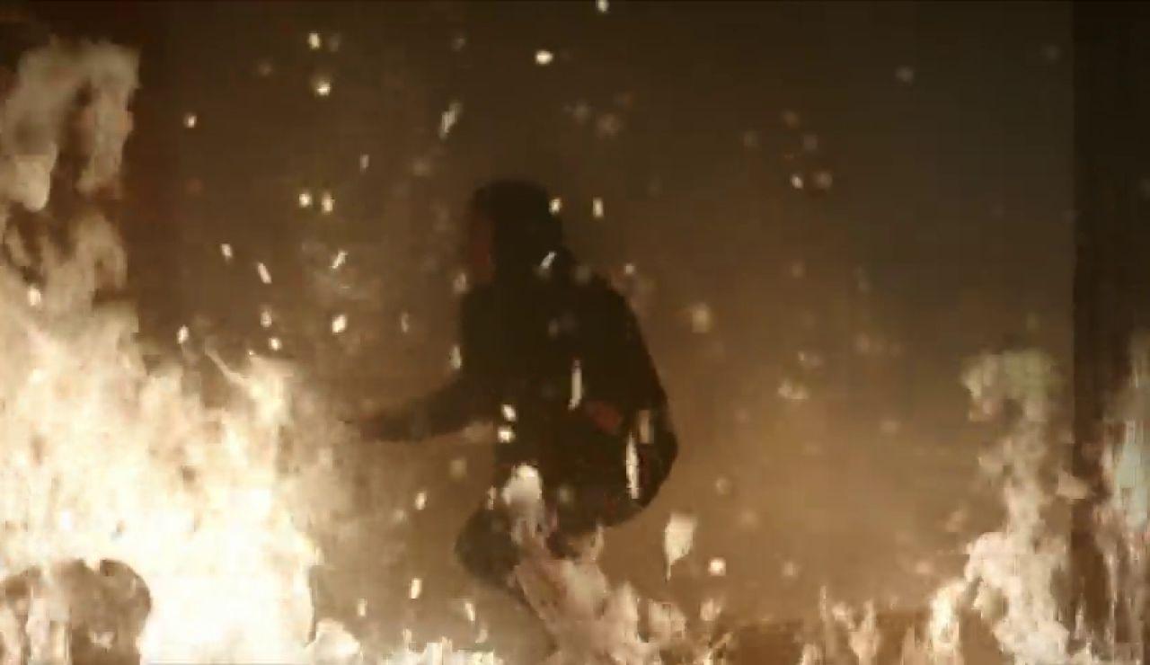 Miran, Reyyan, Azat y Elif, atrapados entre las llamas
