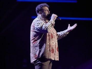 Rafael Ruiz canta 'Mi marciana' en la Fase Final de 'La Voz'