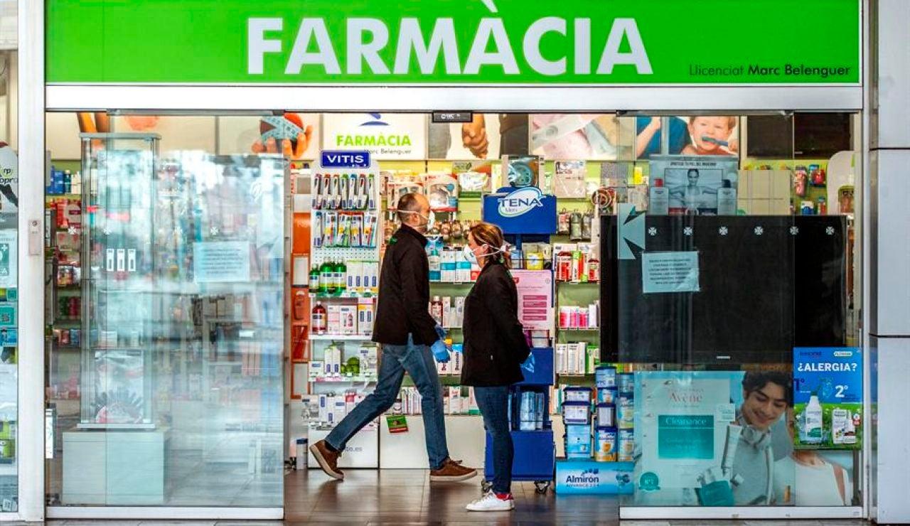 Cataluña permitirá a los ciudadanos llevar muestras a las farmacias para hacer PCR