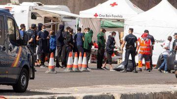 A3 Noticias 2 (20-11-20) El Gobierno montará un campamento en Canarias para alojar a 7.000 inmigrantes