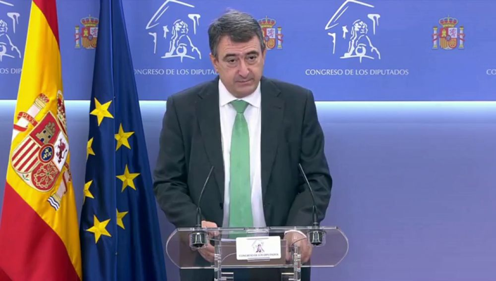 El PNV alcanza un acuerdo con el gobierno para los presupuestos que elimina el impuesto al diésel