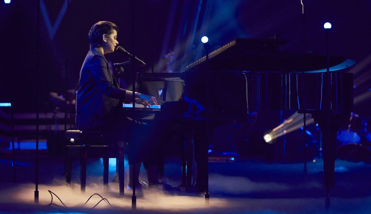 Paula Espinosa canta 'Corazón partío' en la Fase Final de 'La Voz'