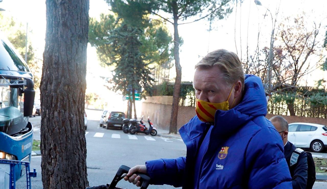 """Koeman: """"No llevamos a Messi ni De Jong porque la Champions está cómoda y necesitan descanso"""""""