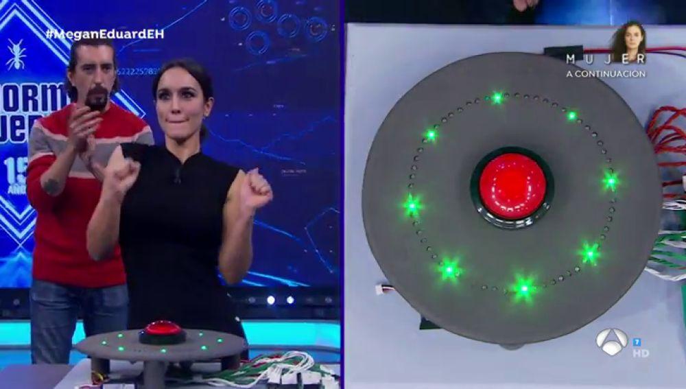 Marron pone a prueba la velocidad de reacción cerebral de Megan Montaner y Eduard Fernández