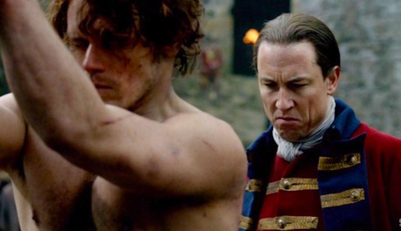 Tobias Menzies y Sam Heughan como Jack Randall y Jamie Fraser en 'Outlander'