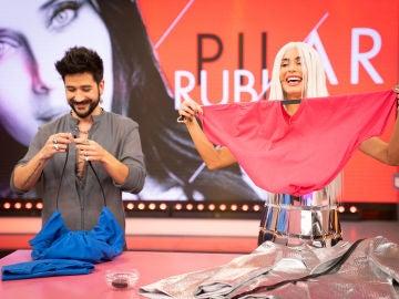 ¿Cómo crear un bolso con una camiseta? Pilar Rubio tiene la respuesta