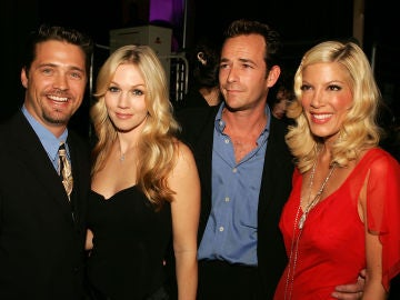 Luke Perry, Jason Priestley, Tori Spelling y Jennie Garth