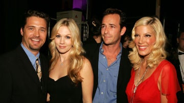 Luke Perry, Jason Priestley, Tori Spelling y Jennie Garth