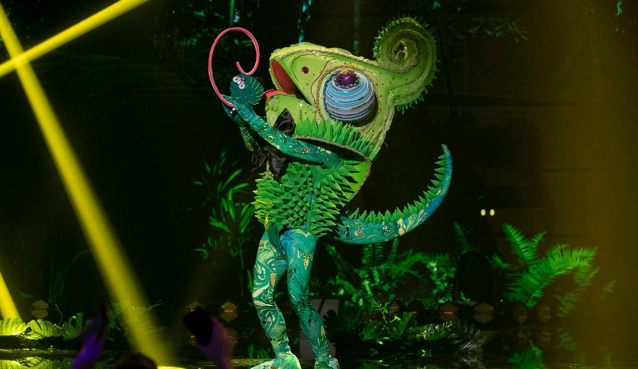 El Camaleón se deja las escamas en 'Mask Singer' al ritmo de 'Shotgun'