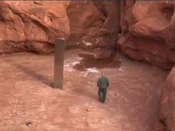 Aparece un monolito en el desierto de Utah
