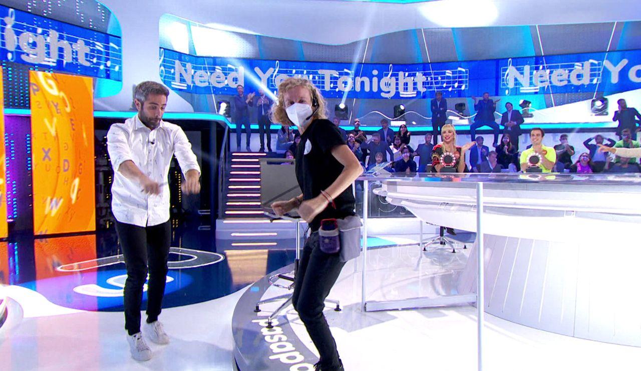 ¡Inédito! La regidora de 'Pasapalabra' lo da todo al ritmo de 'Need you tonight' en 'La Pista'
