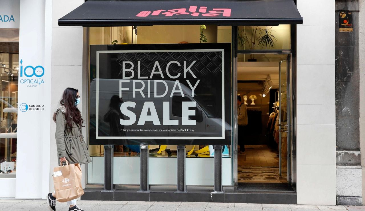 La campaña comercial del Black Friday o viernes negro, en Asturias.