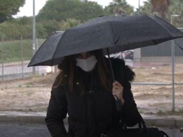 Irene Rosales a su llegada al tanatorio