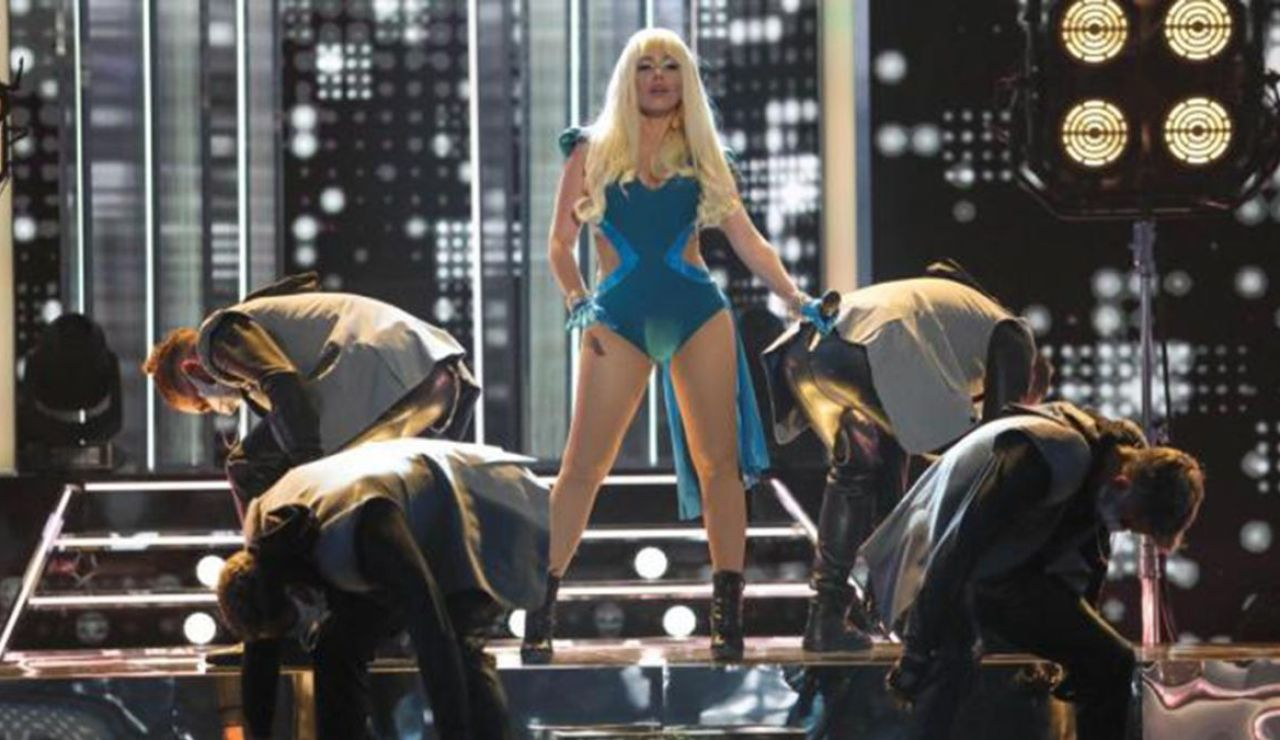 ¡Poderosa! Beatriz Luengo conquista el escenario de 'Tu cara me suena' de EEUU al imitar a Lady Gaga