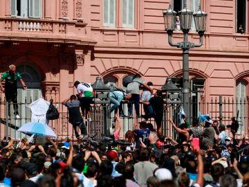 Los aficionados asaltan la Casa Rosada