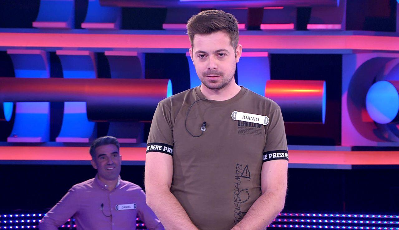 La 'ayuda' de Arturo Valls con un concursante: le da la clave que le salva en '¡Ahora caigo!'