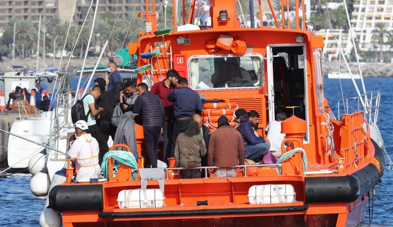 El Defensor del Pueblo pide a Interior el cierre del campamento para migrantes de Arguineguín
