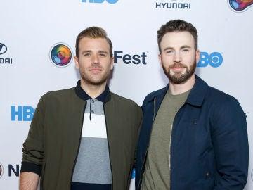 Los hermanos Scott y Chris Evans