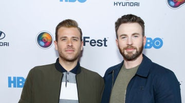 Los hermanos Scott y Chris Evans