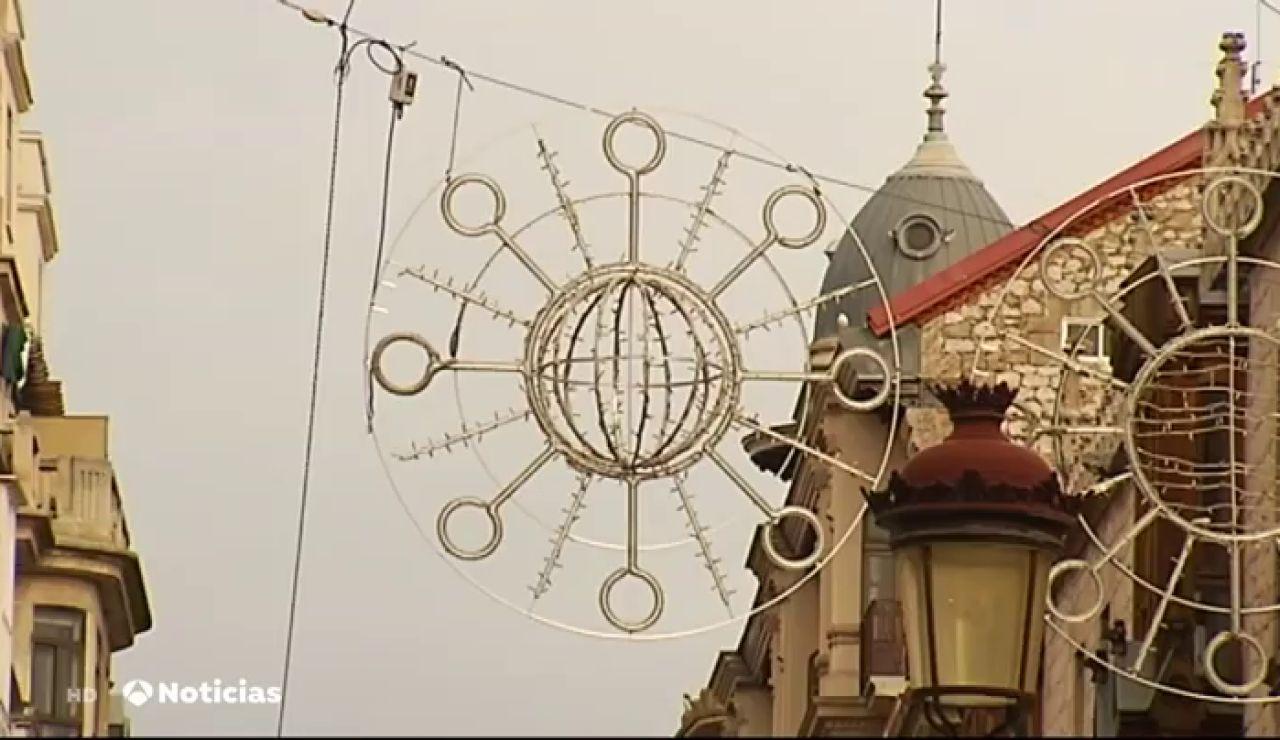 ¿Luces de Navidad con forma de coronavirus? El alumbrado desata la polémica en Burgos