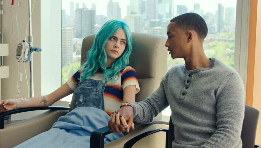 """Ahora estará en mi vida para siempre"""": Cara Delevingne y Jaden Smith se  raparon juntos la cabeza para su nueva película, 'Life in a Year'"""