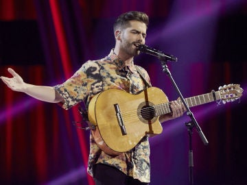 Miguelichi López canta 'La vereda de la puerta de atrás' en la Semifinal de 'La Voz'