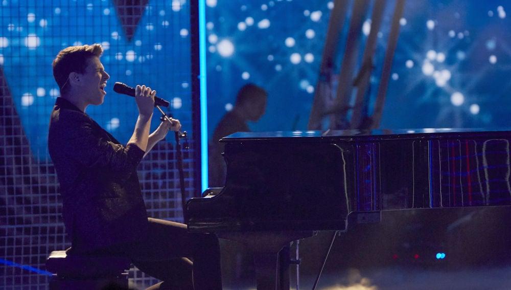 Roger Padrós canta 'Sargento de hierro' en la Semifinal de 'La Voz'