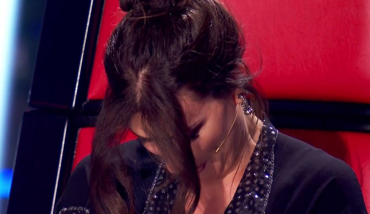 Laura Pausini rompe a llorar al escuchar el mensaje de su padre en 'La Voz':