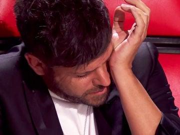 El hermano de Pablo López hace brotar las lágrimas del coach con el recuerdo de su abuelo en 'La Voz'
