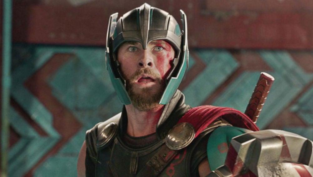 Thor con el casco alado