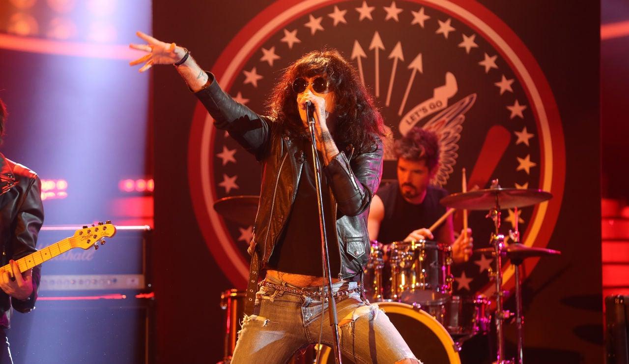 Mario Vaquerizo saca su lado más rockero con 'Blitzkrieg Bop' de Los Ramones