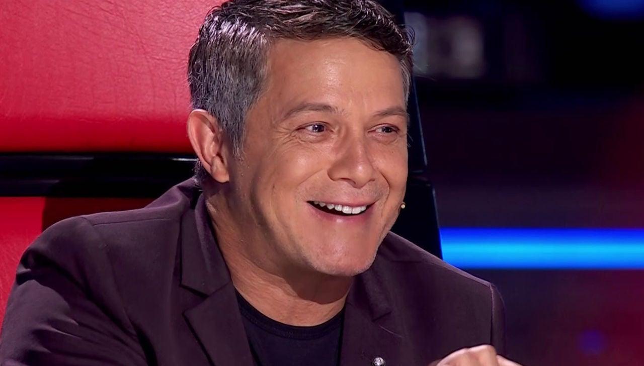 Alejandro Sanz recuerda con cariño a su profesor de guitarra tras escuchar su mensaje en 'La Voz'