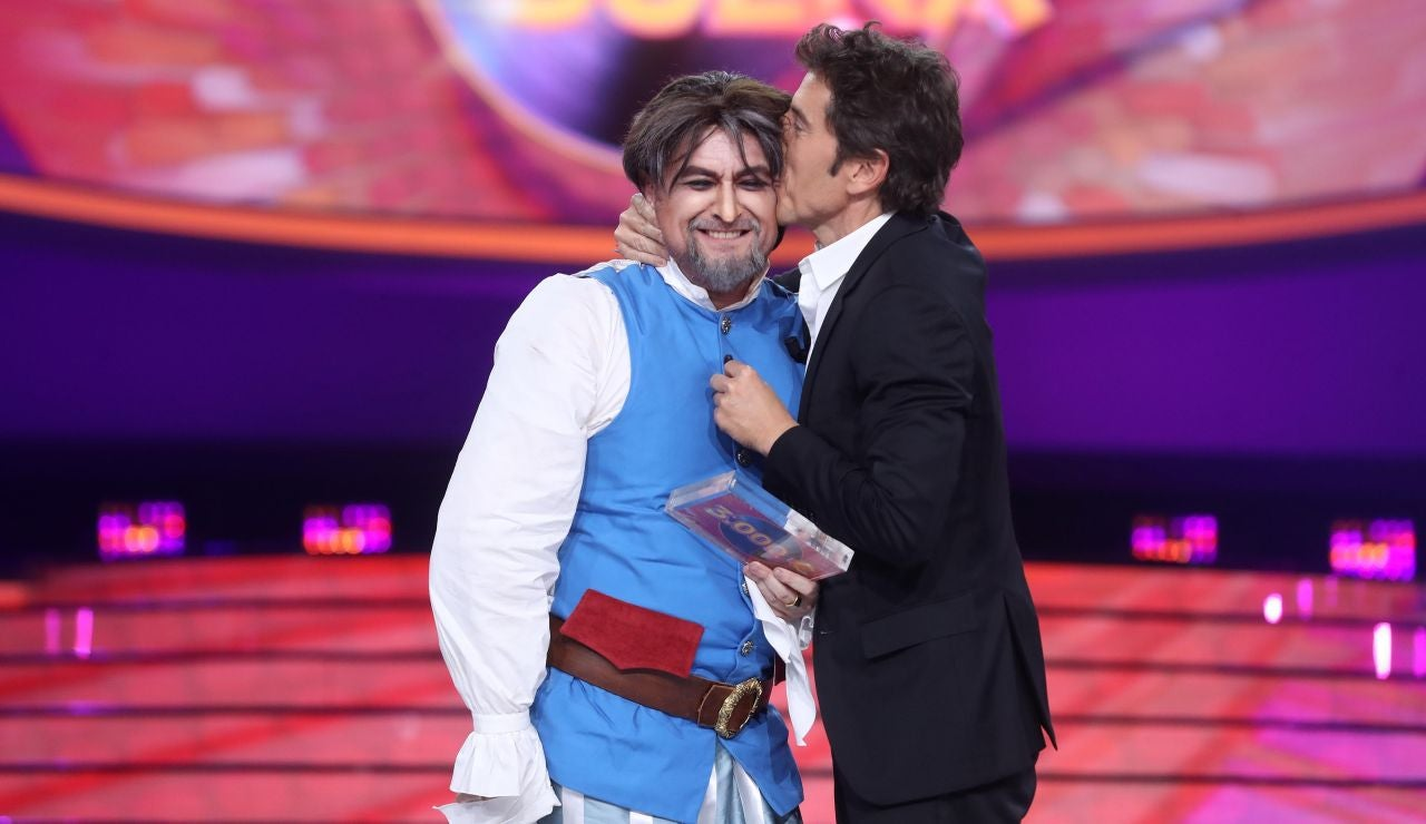 El Monaguillo se emociona tras ganar por primera vez en 'Tu cara me suena' en una noche idílica como Joaquín Sabina