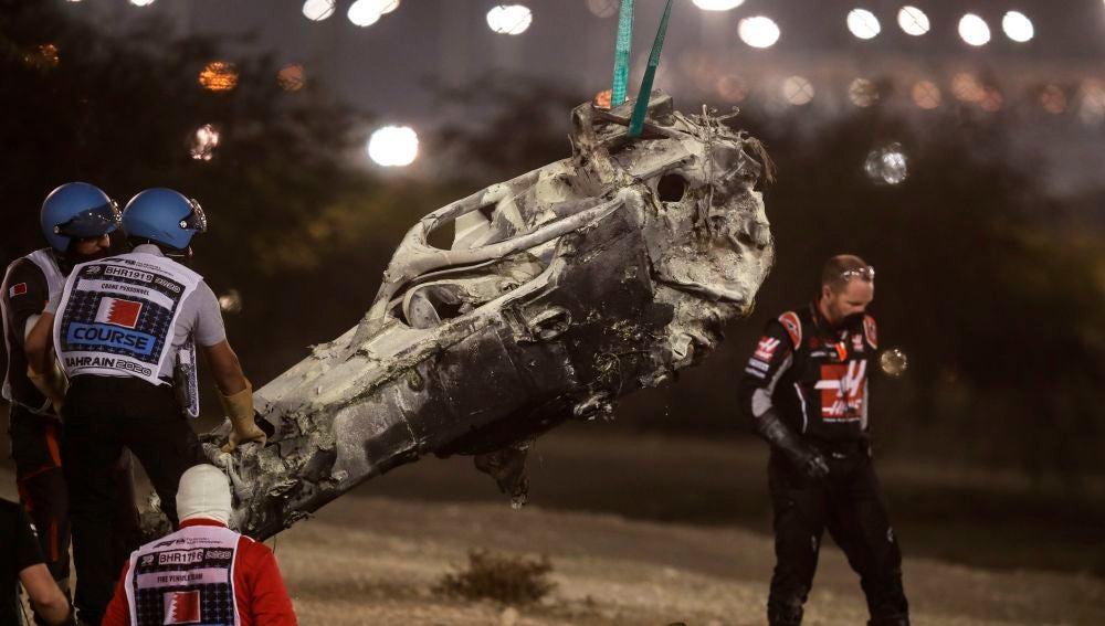 El monoplaza de Grosjean tras el accidente