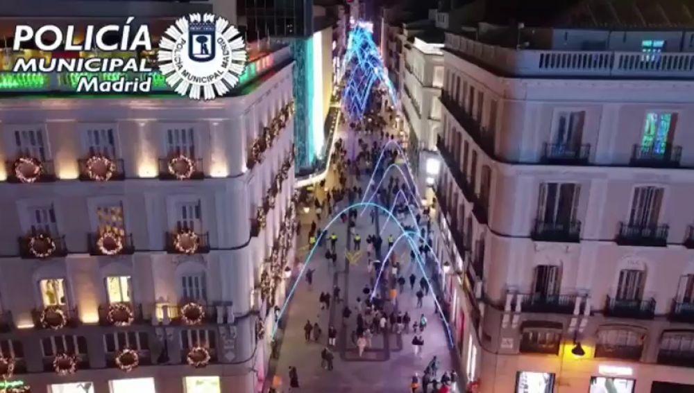 El vídeo a vista de dron de la calle Preciados con el que la Policía de Madrid defiende el cumplimiento de las medidas por coronavirus