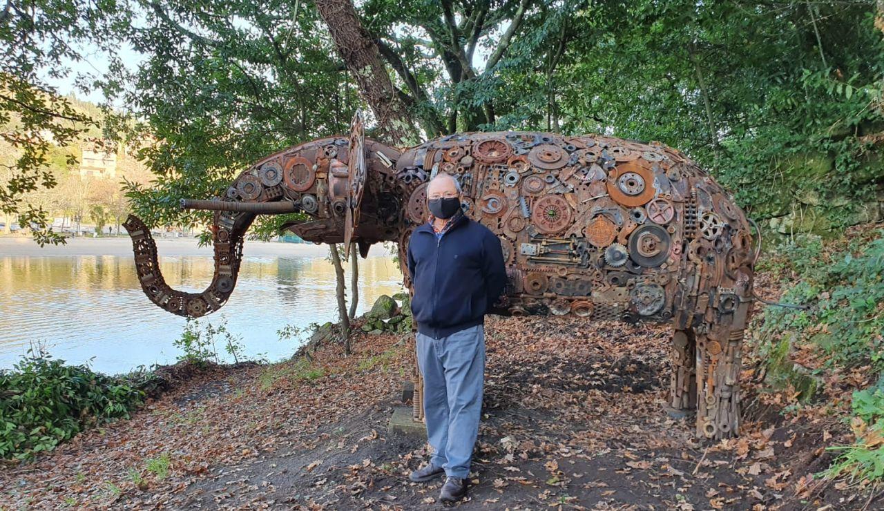 El sorprendente y artístico elefante de 2000 kilos de peso en los montes de Arcade, Pontevedra