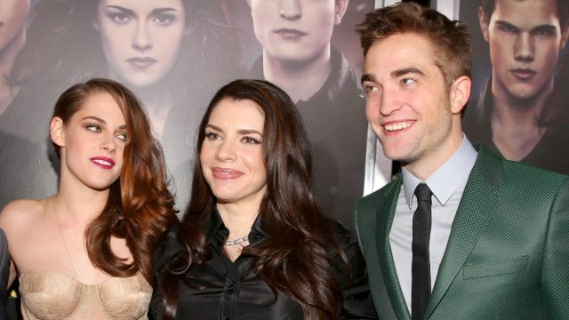 Stephenie Meyer entre Kristen Stewart y Robert Pattinson