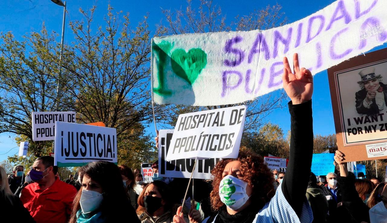 Protestas frente el hospital Isabel Zendal