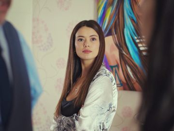 "La hábil maniobra de Sirin tras ser descubierta por Piril en casa de Suat: ""¿Sois pareja?"""