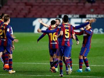 Jordi Alba celebra su gol ante la Real Sociedad