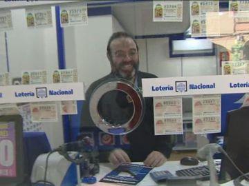 """El dueño de una administración de Almería esconde décimos de la Lotería de Navidad 2020 para """"animar las compras"""""""