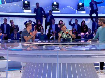 """""""Granjero por el día, 'Pasapalabra' por la tarde"""": Javi Martín sorprende a Roberto Leal con su look"""
