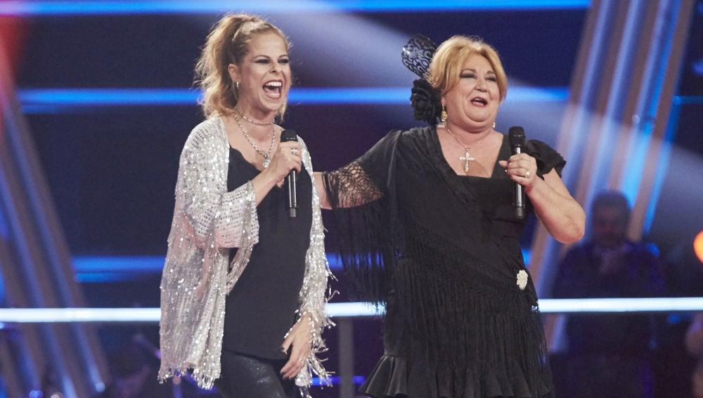 Pastora Soler y Juani Álvarez realizar un majestuoso homenaje a Juanita Reina en la Semifina de 'La Voz Senior'