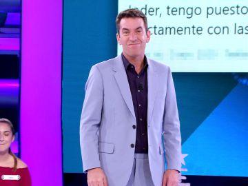 """""""Me duele"""": Arturo Valls responde a un tuitero que afirma que '¡Ahora caigo!' lleva """"7 años con las mismas bromas"""""""