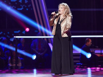 Juana Zamora canta 'Mi amante amigo' en la Semifinal de 'La Voz Senior'
