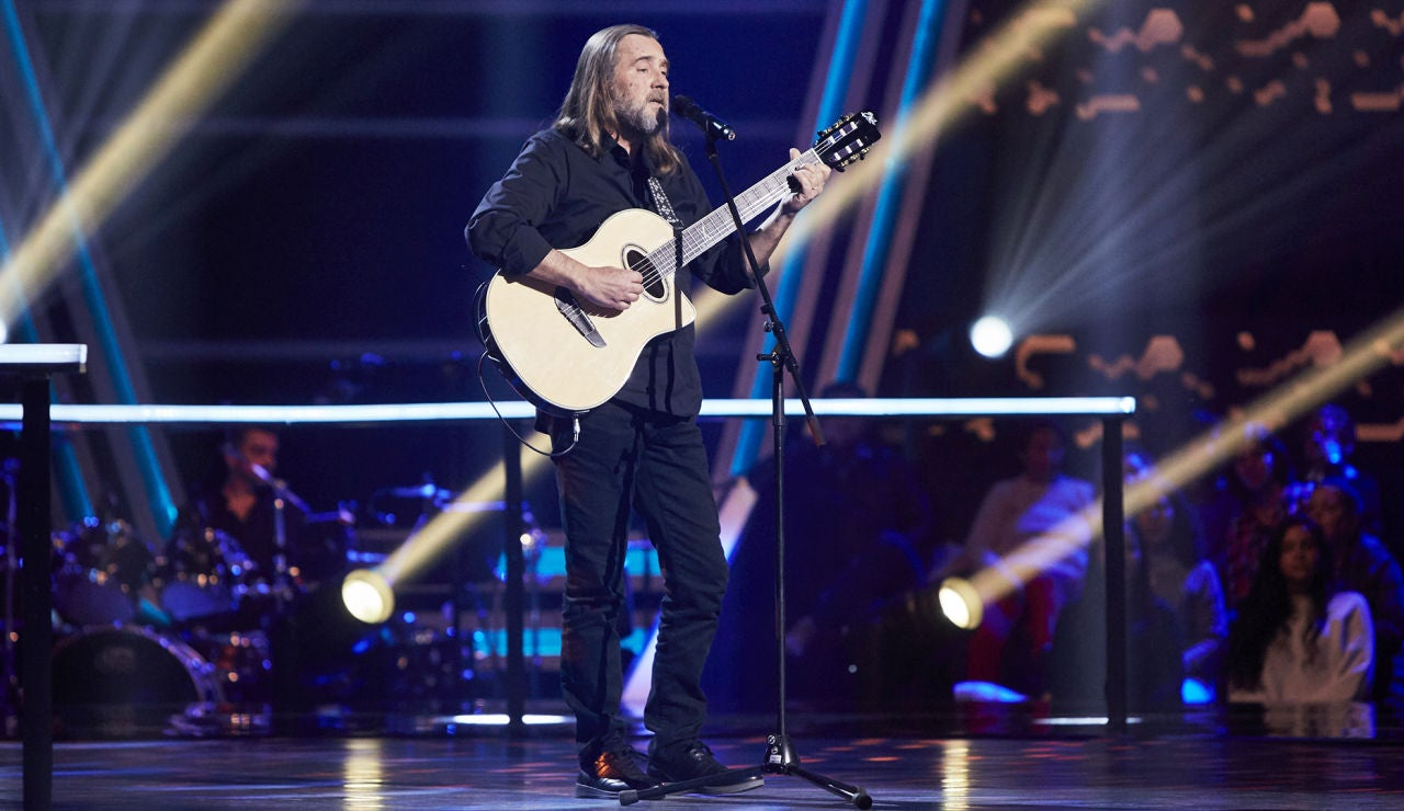 Joaquín Ascón canta 'Clara' en la Semifinal de 'La Voz Senior'