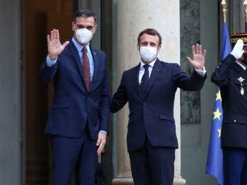Pedro Sánchez junto a Macron