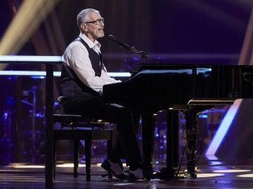 Mingo Fernández canta 'Se te olvida' en la Semifinal de 'La Voz Senior'