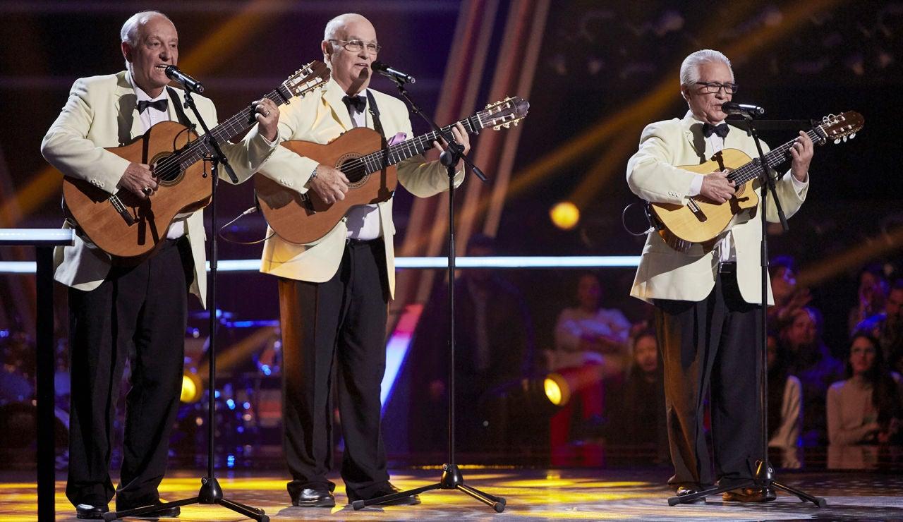 Los Tres Aries cantan 'El reloj' en la Semifinal de 'La Voz Senior'