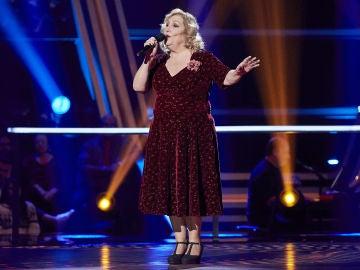 Toni Fuentes canta 'Sympathique' en la Semifinal de 'La Voz Senior'